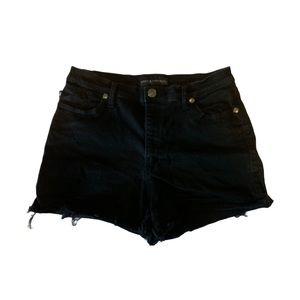 ROCK & REPUBLIC Cute Black Denim Shorts!